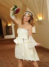 Nicole - Brautmode in grau weiss