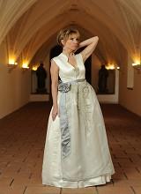 Tatjana - Brautmode in grau weiss